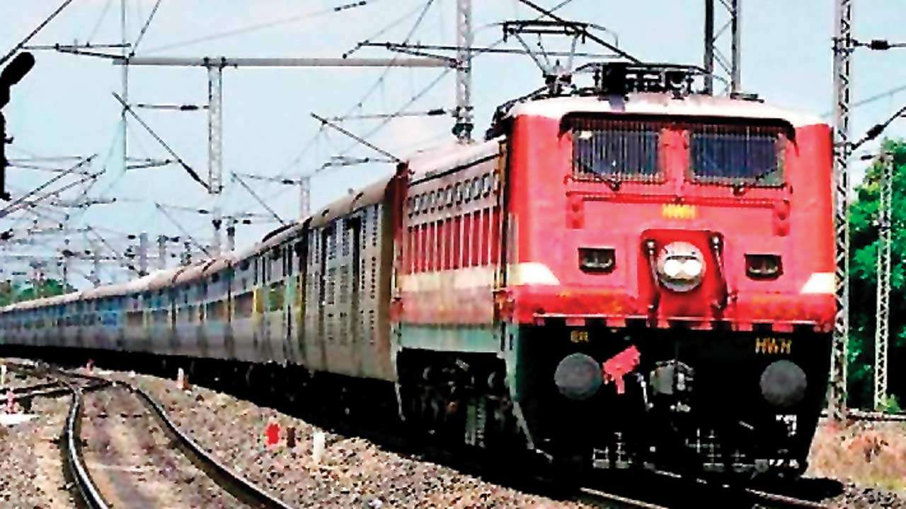 रेलवे ला रही स्मार्ट मैन्यू, ट्रेनों में यात्रियों को होगा फायदा*